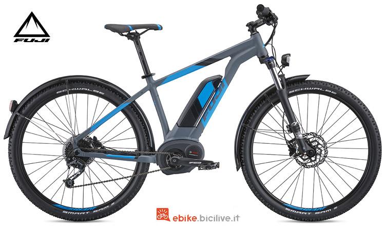"Una bicicletta elettrica Ambient 27,5"" 1.5 E EQP Fuji"