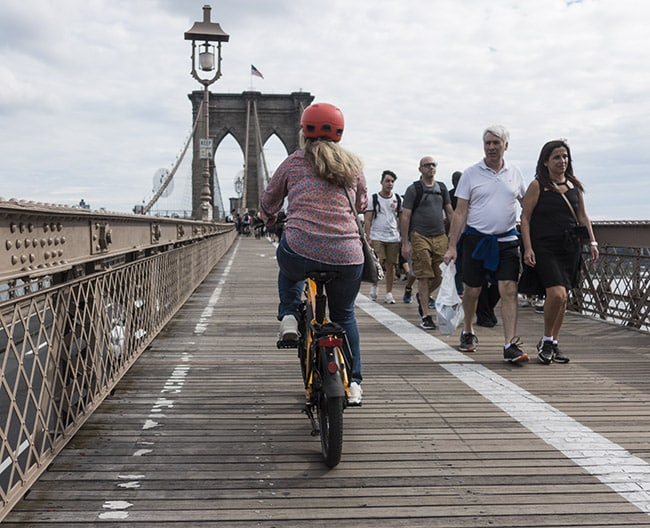 NYC delivery electric bicycle banned legalized mayor de blasio pedal-assist throttle