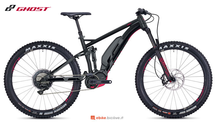 Una mountain bike a pedalata assistita full suspended Ghost Lanao S6.7+ AL