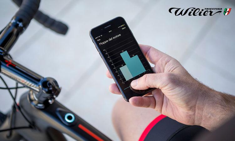 La e-bike Wilier Cento1 hybrid può essere associate ad una applicazione sullo smartphone
